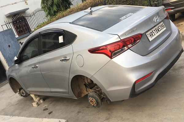 faridabad-sector-21-c-car-tire-chori-2