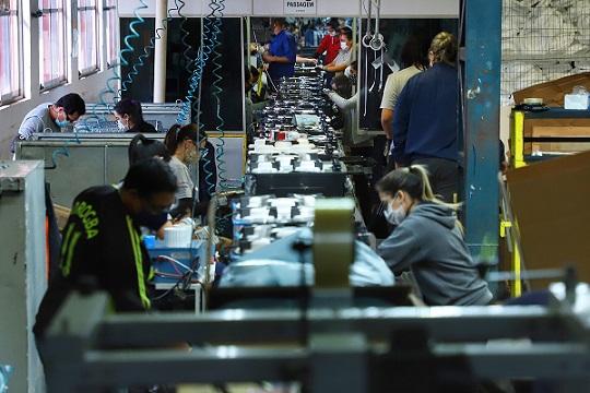85% dos municípios do Paraná tiveram saldo positivo de empregos em fevereiro
