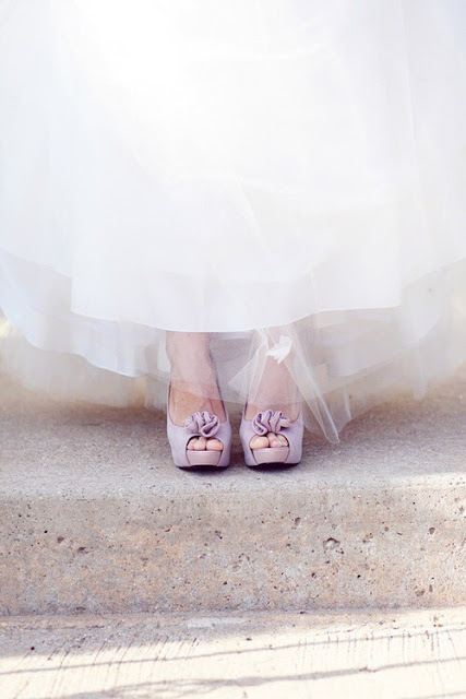 wedding shoes and petticoat in tulle | Images of inspiration in Lavender, Lilac and Mauve