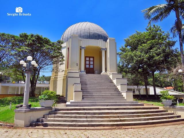 Vista ampla do Planetário do Parque de Ciência e Tecnologia da USP - Água Funda - São Paulo