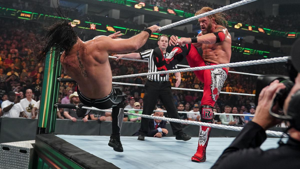 """Edge vs. Seth Rollins"" tem início no WWE Money in the Bank"