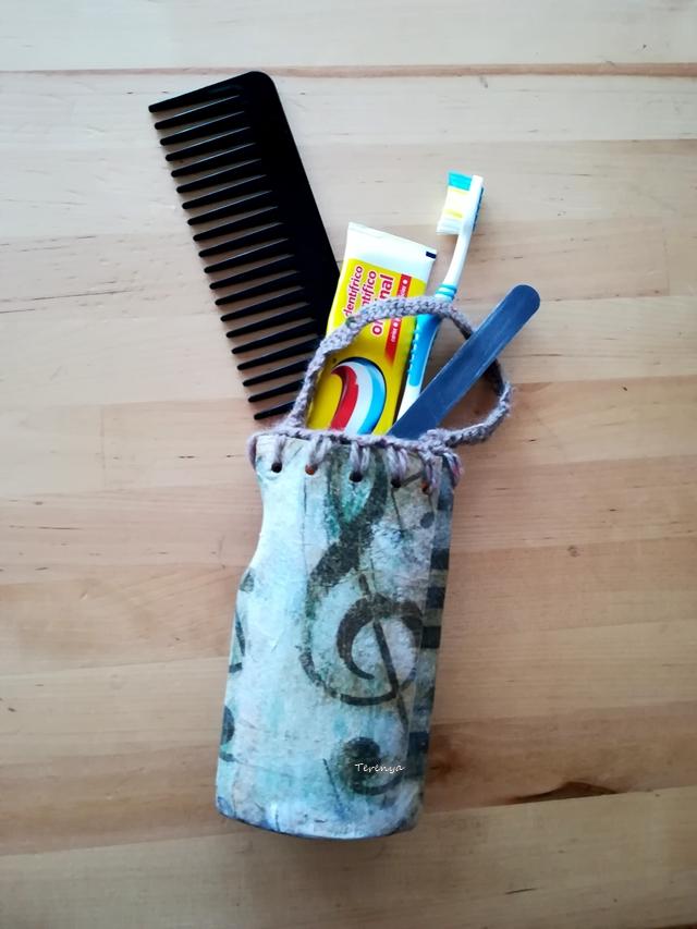 como-reciclar-bote-gel-en-neceser
