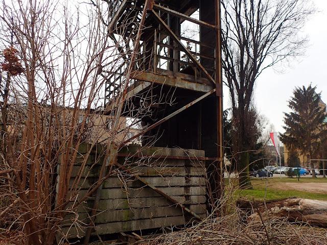 Wrocławska, dość zrujnowana wieża