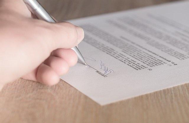 assinar contrato - casamento