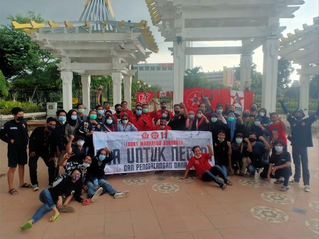 Front Marhaenis Suroboyo (GMNI, GSNI, dan Pemuda Demokrat) Berdoa Untuk Negeri Dan Aksi Galang Dana Di Tugu Pahlawan Surabaya