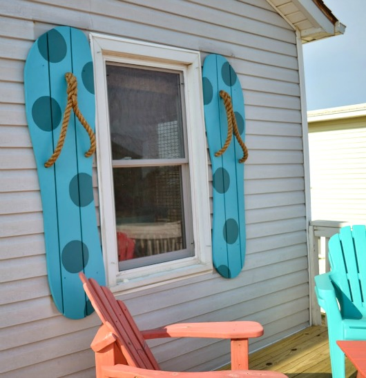 DIY Decorative Flip Flop Shutters Completely Coastal