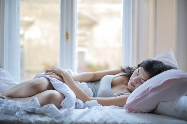 Dormir más protege contra el alzhéimer