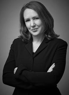 Photo of author Paula Hawkins c/o David Higham Associates