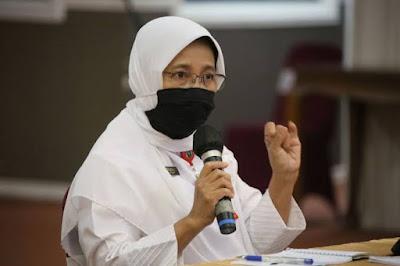 Baru Berjalan 2 Persen, Kadiskes Riau : Jangan Takut, Vaksin Aman untuk Lansia
