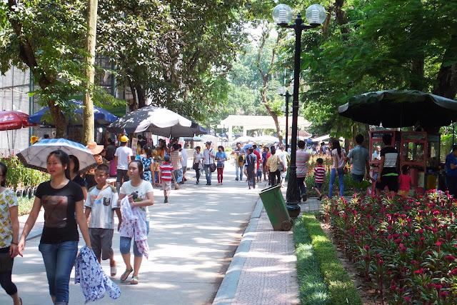 hanoi-zoo-street ハノイ動物園の通路風景