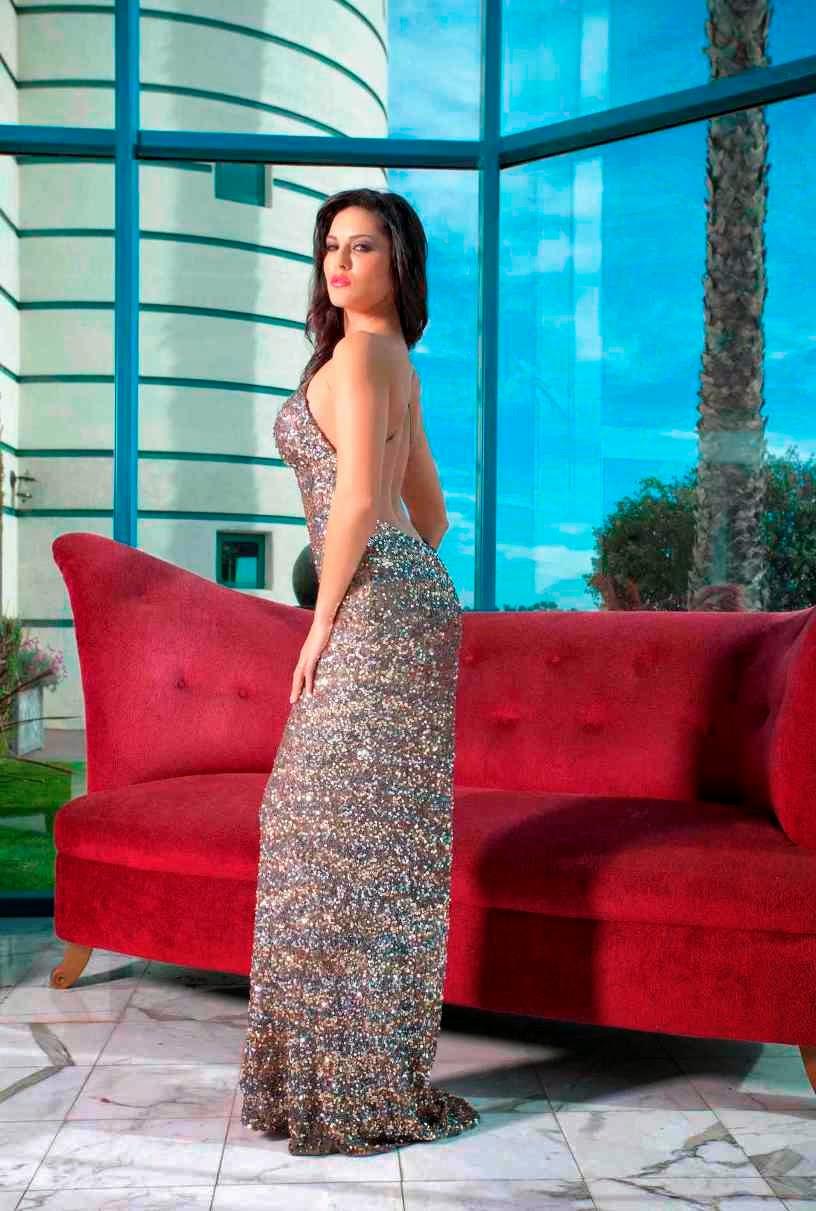 Hot Sunny Leone Unseen Dress Stripping Photos  Desi -2724