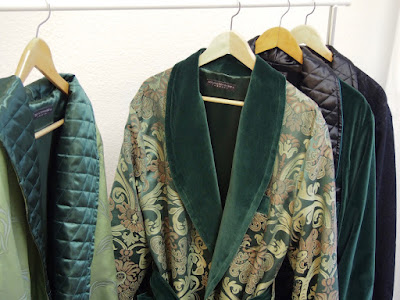Mens Warm Heavy Paisley Velvet and Silk Robes, Dressing Gown with Quilted Shawl Collar.