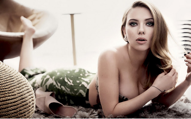 Scarlett Johansson's boobs