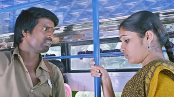 Bus Comedy Scene – Pattaya Kelappanum Pandiya | Scene