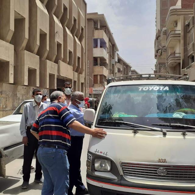 سوهاج تواجه كورونا حملة مكبرة لضبط مخالفات الكمامة بمدينة طهطا