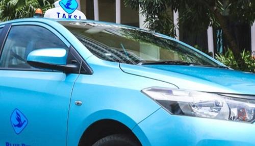 X-treme Enigma: Kilau Mobil Bekas Taksi