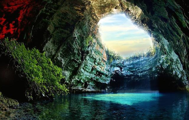 cueva-de-melissani