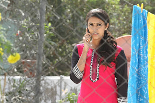 Niharika in Oka Manasu movie 005.jpg