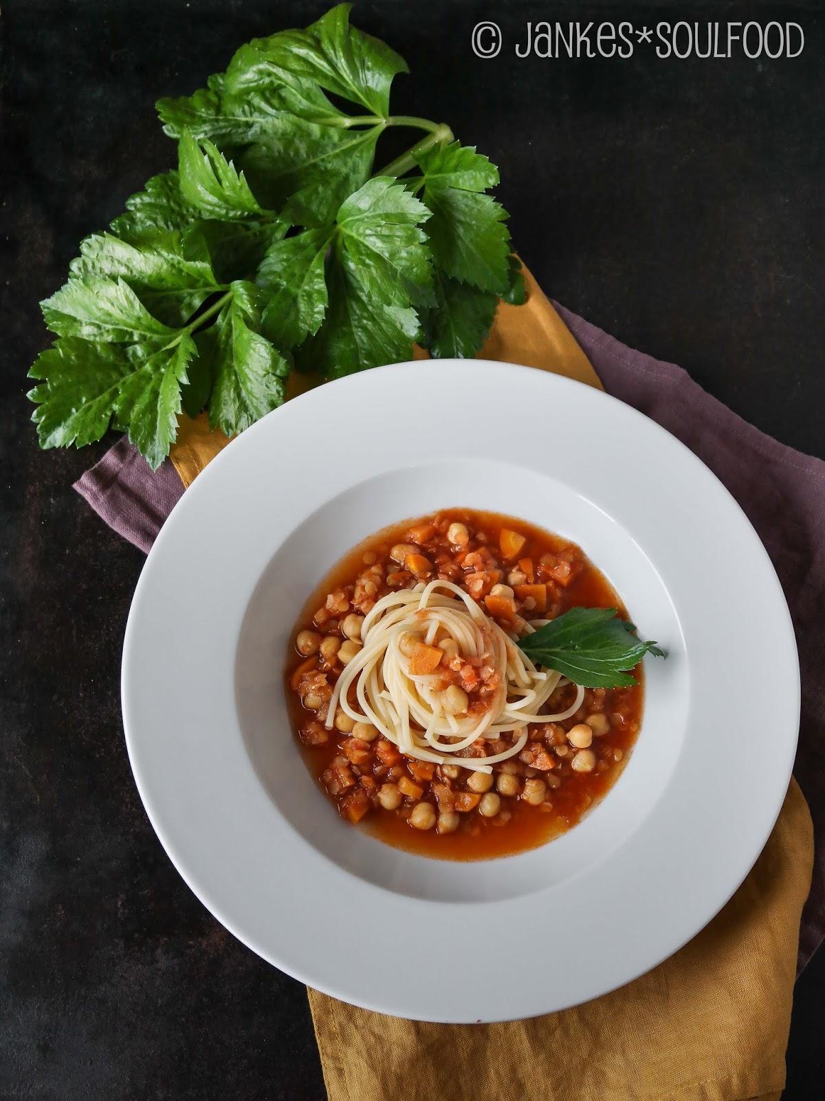 Linsen-Bolo zu Spaghetti
