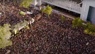 Los Bunkers liberan versión de 'Miño' grabada en Plaza de la Dignidad