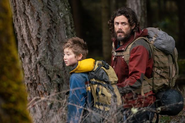 """Casey Affleck enfrenta mundo pós-apocalíptico no trailer de """"A Luz no Fim do Mundo"""""""