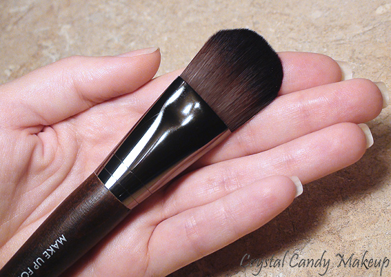 Medium Foundation Brush #106 de Make Up For Ever - Review - Pinceau à fond de teint