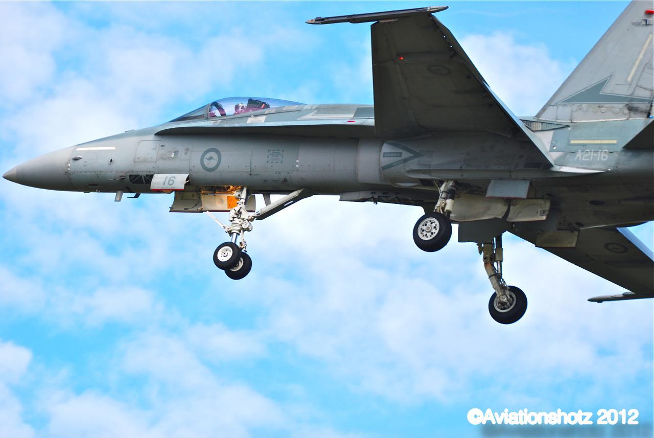 Aviationshotz: Ohakea F18 Hornets