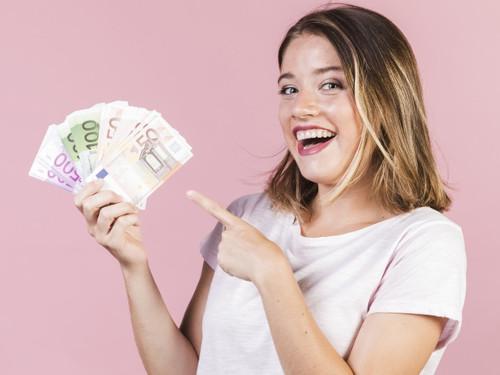 30 денежных аффирмаций для женщин на каждый день