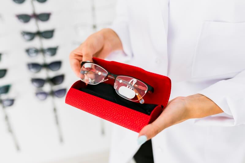 Dicas para escolher os óculos perfeitos