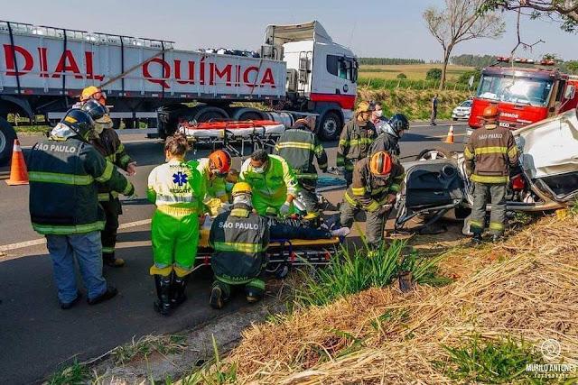 Acidente com veículo  de Adamantina com vítima grave na Assis Chateaubriand proximo a Martinópolis