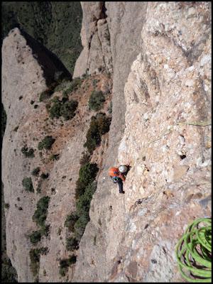Sendero límite en Peña Rueba, último muro