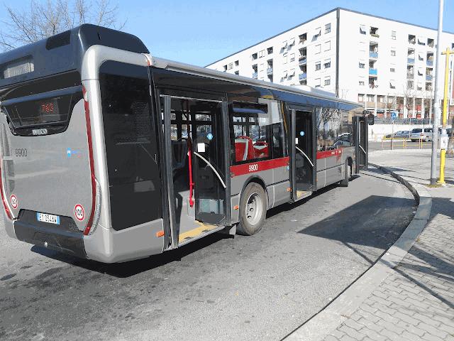 """""""Bus in ritardo"""": autista insultato e strattonato"""