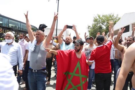 سائقو سيارات مغاربة يهددون بالانتحار بعد كورونا