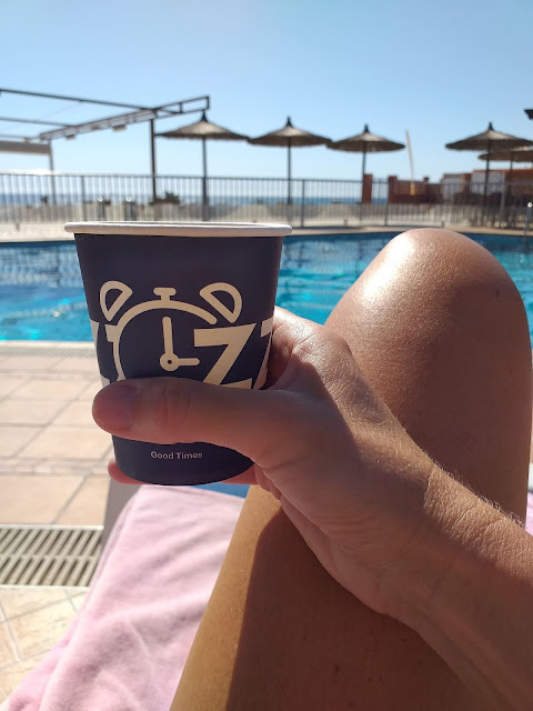 Coffee by the pool La Mirada La Zenia