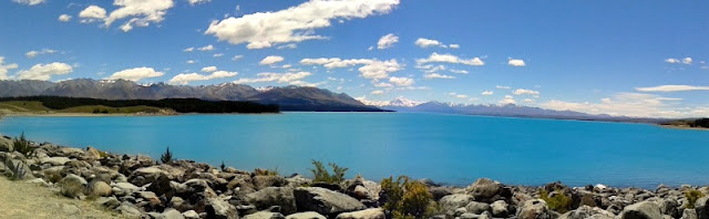 lake-pukaki-snowcap-mountains
