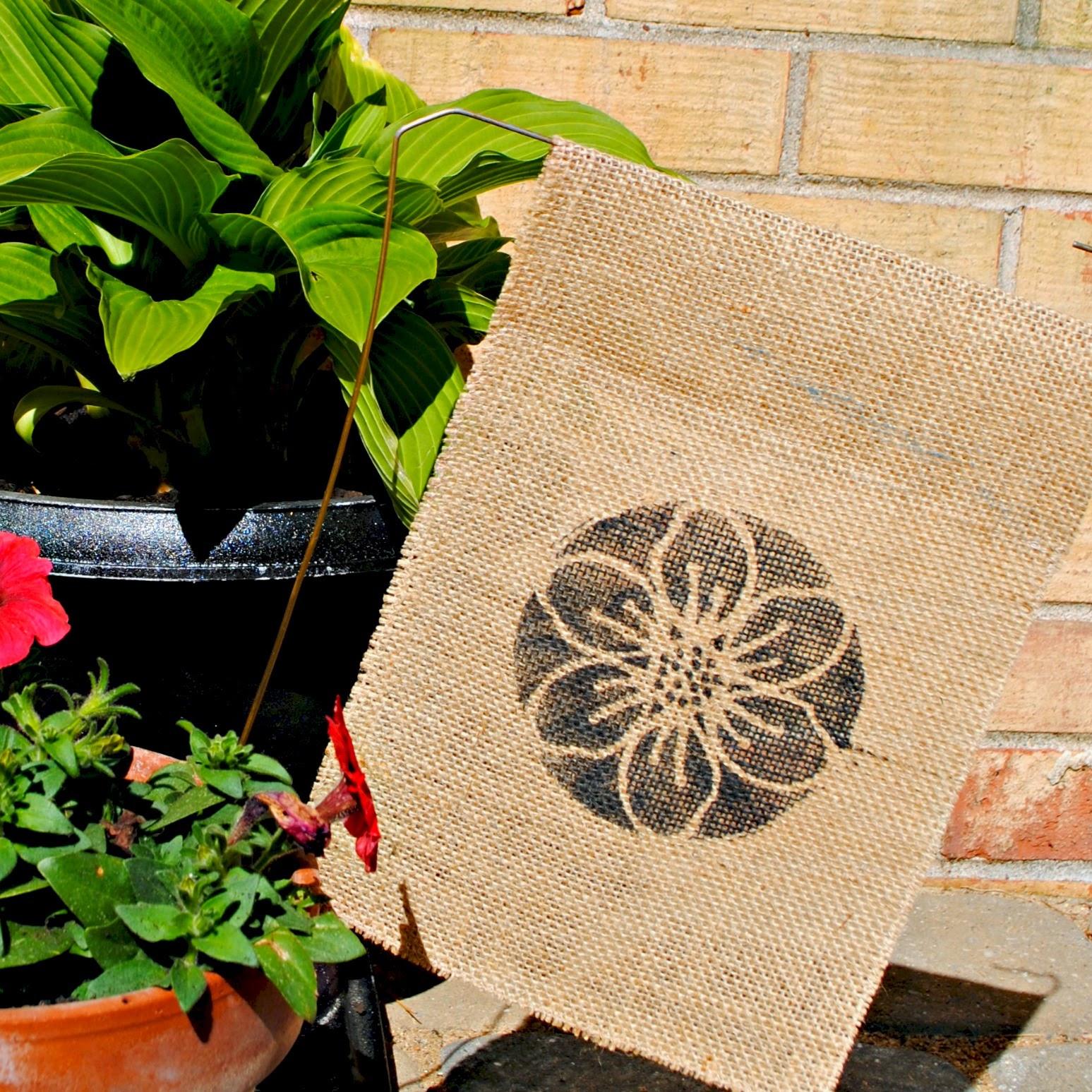 Dingbat font, flower, garden, flag, free, Silhouette Studio, cut file