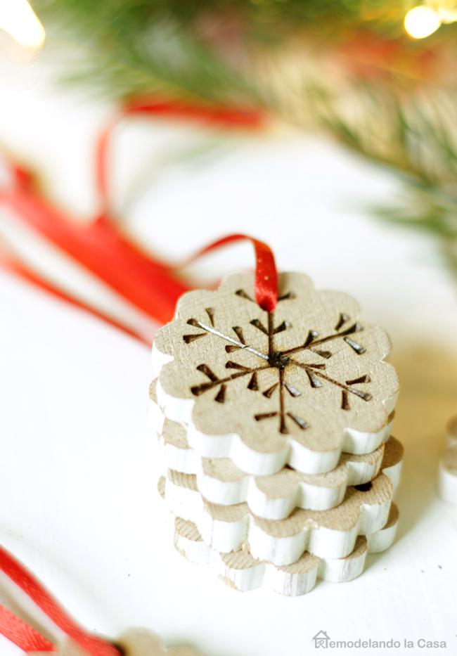 cute designs on wood, Christmas tree decor, farmhouse ornaments