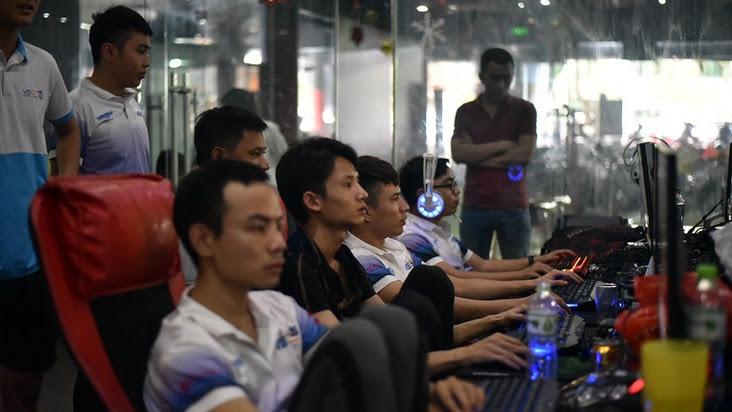 [AoE]: Bản tin ngày 14/05: 4v4 Hà Nội full ''quẩy'' nát đội hình Thái Bình