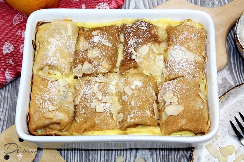 Naleśniki zapiekane z białym serem i sosem budyniowym