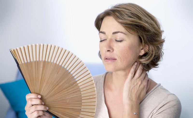 5 Signs of Menopause, According to Doctors