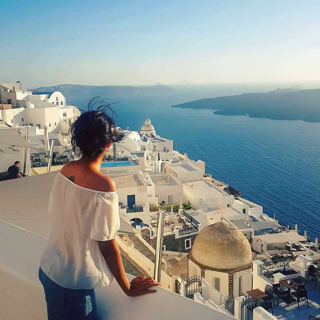 How to Visit Santorini on a Budget (Itinerary) | Ummi Goes Where?