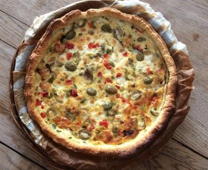 Dried tomato mozzarella melt-in-the-mouth pie