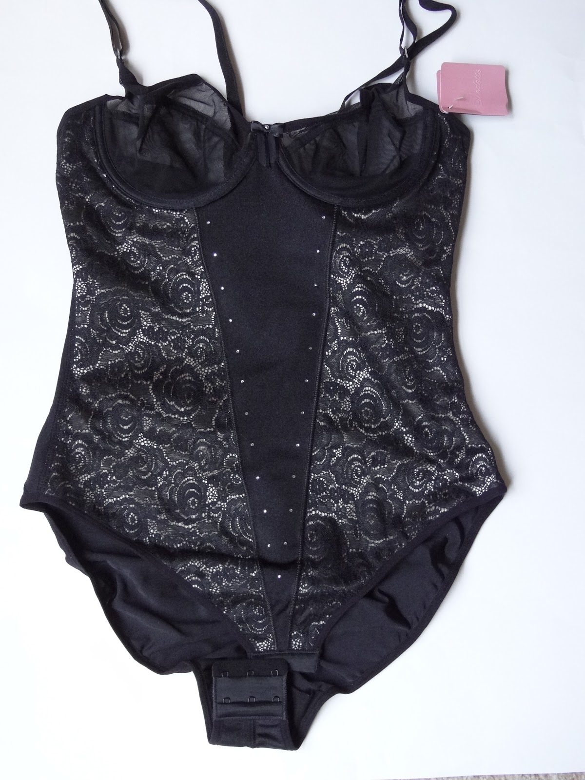 dc697ea2e4abd The awesome people at Vedette Shapewear want help ladies