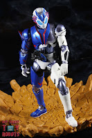 SH Figuarts Kamen Rider Vulcan Shooting Wolf 22