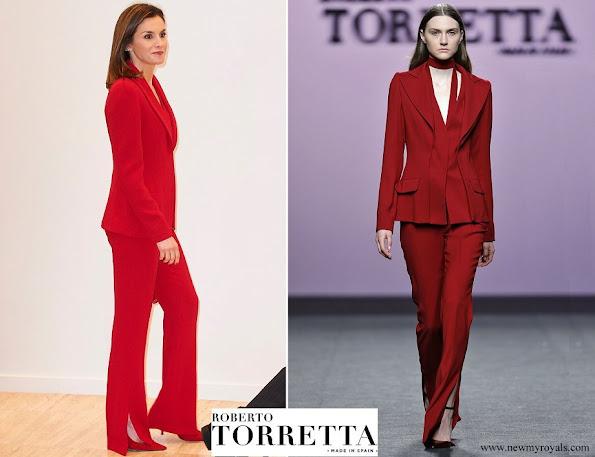 Queen Letizia wore Roberto Torretta suit from Roberto Torretta Fall Winter 2017-2018 collection