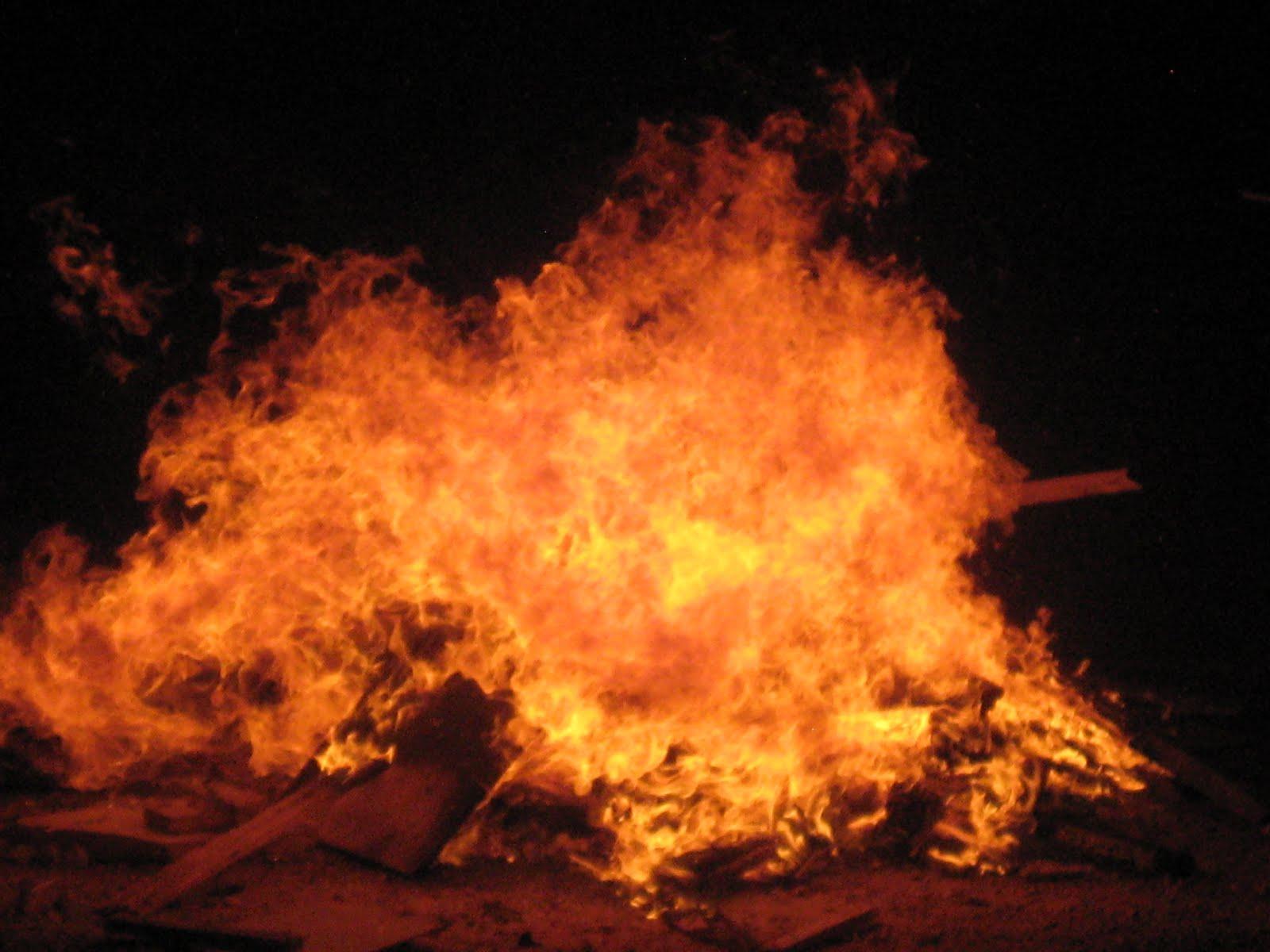 Bat Aliyah: Gonna Set The Night On Fire