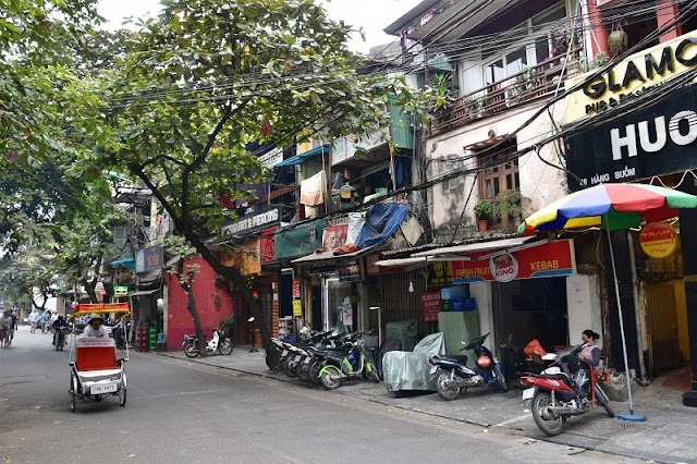 Beauty of ancient houses in Hanoi's Old Quarter