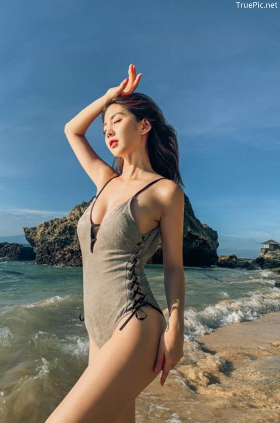 Korean fashion model Lee Chae Eun - Push Monokini - Picture 12