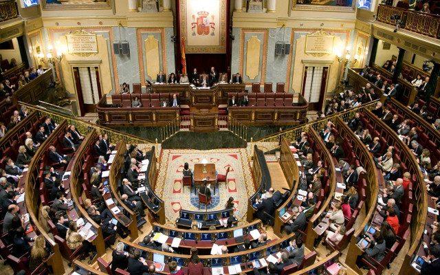 Congreso español rechaza constituir una comisión para investigar el encuentro entre Ábalos y Delcy