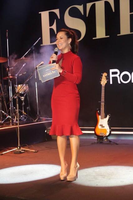 Fernanda Souza, vestido vermelho